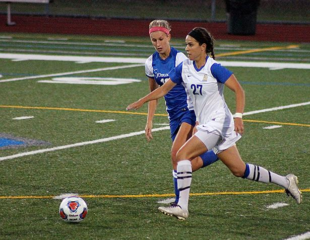 Jessica Buffa dribbled the ball up the field past a Franklin and Marshall player.